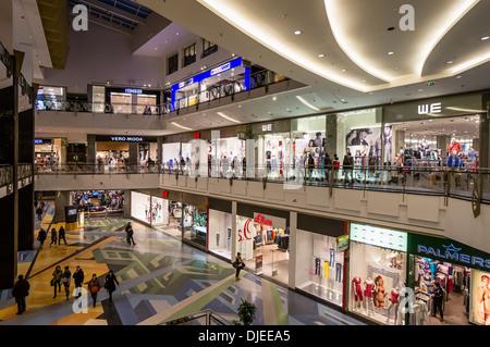 Alexa Shopping Center, Interieur, mehr als 200 Shopa, Berlin - Stockfoto