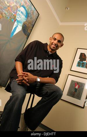 31. Oktober 2003 sitzt am Orlando Museum of Art in Orlando, Florida, 31. Oktober 2003 - Orlando, Florida, USA - - Stockfoto