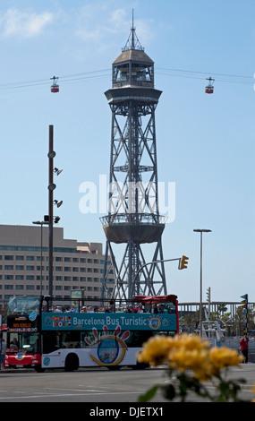 Teleferico Seilbahn Turm & Touristenbus, Barcelona, Spanien - Stockfoto