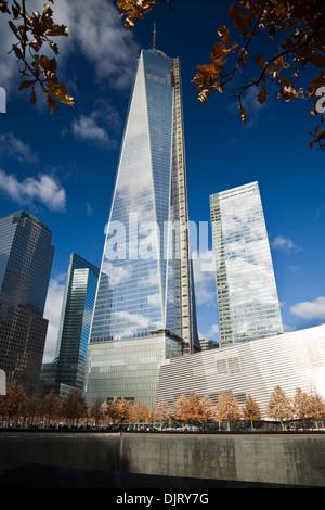 NEW YORK CITY, 19. November 2013: One World Trade Center Tower im letzten Bauabschnitt - Stockfoto