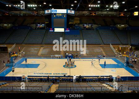 26. Februar 2011 - Westwood, Kalifornien, USA - ein allgemeiner Blick auf Pauley Pavilion Innenraum bevor die Bruins - Stockfoto