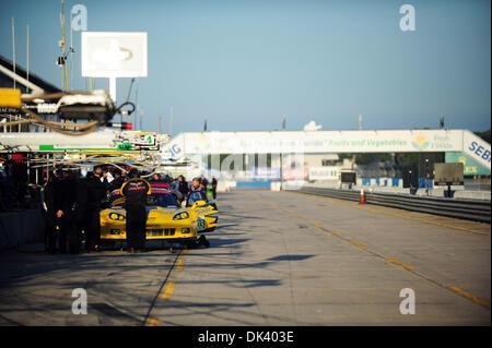 14. März 2011 - Sebring, Florida, USA - Fahrerlager während der Tests für die 12 Stunden von Sebring.  (Credit: - Stockfoto