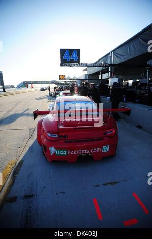 14. März 2011 - Sebring, Florida, USA - Flying Lizard Porsche während der Tests für die 12 Stunden von Sebring. - Stockfoto