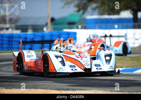 16. März 2011 - Sebring, Florida, USA - Eiche Rennfahrer PIERRE RAGUES treibt die Pescarolo während der Tests für - Stockfoto