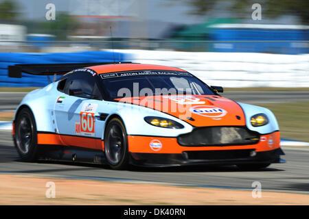 16. März 2011 - Sebring, Florida, USA - #60 Golf AMR Nahost Aston Martin Vantage während der Tests für die 12 Stunden - Stockfoto