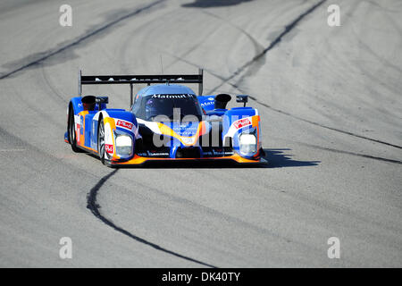 16. März 2011 - Sebring, Florida, USA - Oreca Peugeot Fahrer LOIC DUVAL, France, treibt die 908 während der Tests - Stockfoto