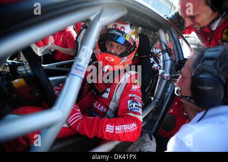 17. März 2011 - Sebring, Florida, USA -AF Corse Ferrari-Fahrer GIANMARIA BRUNI, von Italien, während des Trainings - Stockfoto