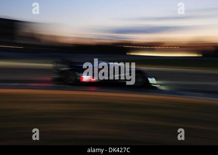 18. März 2011 - Sebring, Florida, USA - Peugeot Fahrer MARC GENE, von Spanien, während der Nacht Praxis für die - Stockfoto