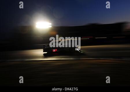 18. März 2011 - Sebring, Florida, USA - Peugeot Fahrer MARC GENE während der Nacht Praxis für die 12 Stunden von - Stockfoto
