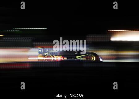 18. März 2011 - Sebring, Florida, USA - Peugeot Fahrer ALEXANDER WURZ, von Österreich, während der Nacht Praxis - Stockfoto