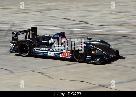 18. März 2011 - Sebring, Florida, USA - Highcroft Acura Fahrer SIMON PAGENAUD, von Frankreich, während des Trainings - Stockfoto