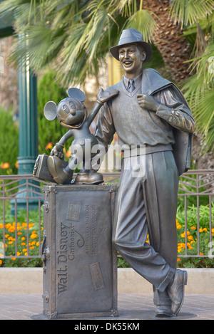 Statue Disneyland, Walt Disney und Mickey Mouse, Anaheim, Kalifornien - Stockfoto