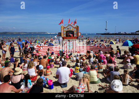 Punch and Judy show am Strand von Weymouth in Dorset England UK, traditionelle Punch and Judy show, UK - Stockfoto