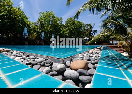 Pool in einem ruhigen Paradise Island Resort - Stockfoto