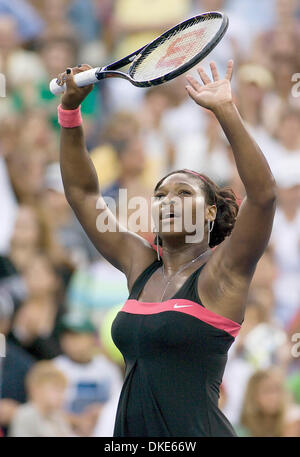 31. August 2007 - New York, NY, USA - SERENA WILLIAMS (USA) in der 3. Runde Aktion gegen Vera Zvonareva (RUS). Williams - Stockfoto