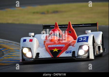 13. Juni 2009 - Le Mans, Frankreich - Barazi-Epsilon Fahrer JUAN BARAZI während der 24 Stunden von Le Mans, Samstag, - Stockfoto