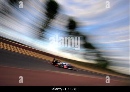 13. Juni 2009 - Mans Le, Frankreich - #8 Peugeot Sport 908 während der 24 Stunden von Le Mans, Samstag, 13. Juni - Stockfoto