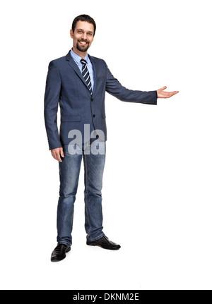 Glücklich Kaufmann mit Arm in eine einladende Geste, isoliert auf weißem Hintergrund - Stockfoto