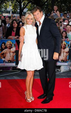 """Hayley Roberts und David Hasselhoff """"Keith Zitrone Film"""" World Premiere statt im Odeon West End - Ankünfte London - Stockfoto"""