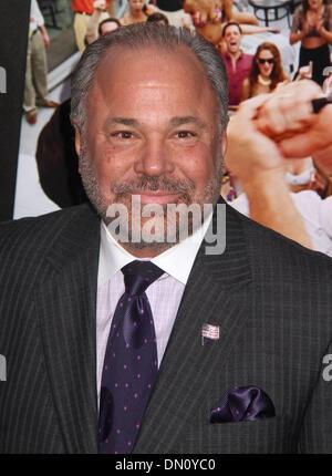 """New York, USA. 17. Dezember 2013. BO DIETL besucht die New Yorker Premiere von """"The Wolf of Wall Street"""" im Ziegfeld - Stockfoto"""