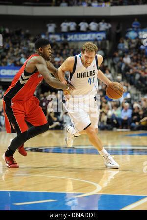Dallas, Texas, USA. 20. Dezember 2013.  Dallas Mavericks power forward Dirk Nowitzki #41 bei einem NBA-Spiel zwischen - Stockfoto