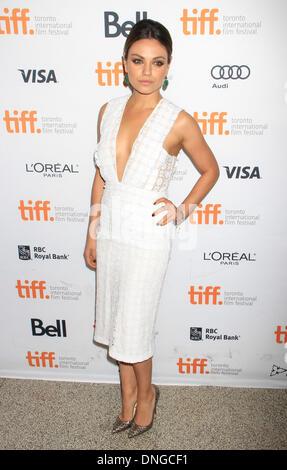 """Toronto, ON, Kanada. 10. September 2013. Mila Kunis bei der Premiere von """"Dritten Person"""" auf 2013 Toronto International - Stockfoto"""
