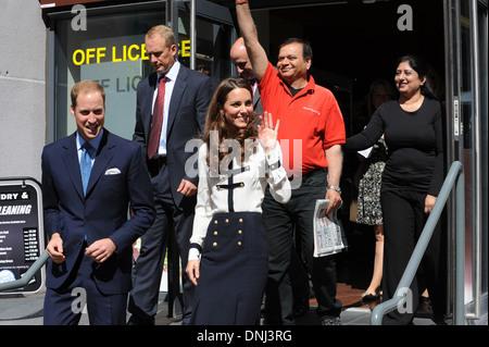 Herzog und Herzogin von Cambridge verlassen die Machan Express Cafe in Birmingham nach der Stadt Unruhen Ajay Bhatia, besitzt die Zertifizierungsstelle