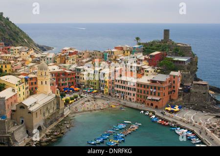 Vernazza, einer der fünf Dörfer der Cinque Terre, Italien. - Stockfoto