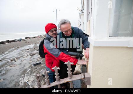 Aberystwyth Wales UK, treibt Montag, 6. Januar 2014 auf beiden Seiten von der Flut an 11:20 am Montag, 6. Januar - Stockfoto