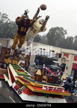"""2. Januar 2006; Pasadena, Kalifornien, USA; Die Magie des Sports in High-Definition """"Laufwerke auf Colorado Boulevard - Stockfoto"""