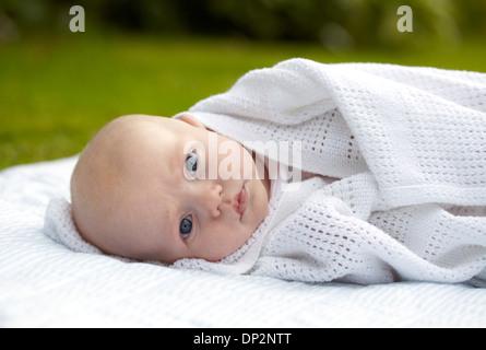 Drei Monate alten Babyjungen - Stockfoto