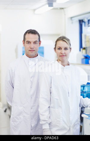 Porträt der Forscher im Labor - Stockfoto