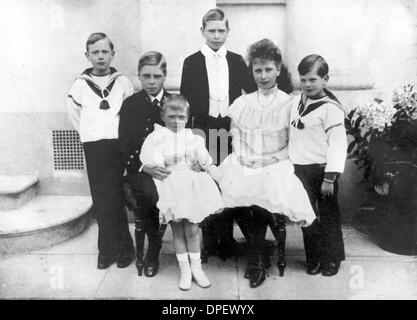 1. November 1906 - London, England, U.K - EDWARD VIII als Kind mit seinen Geschwistern (v.l.) Duke of Gloucester - Stockfoto