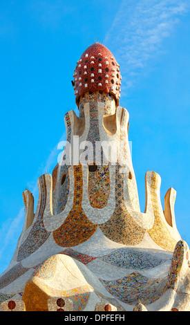 Detail des Hauswarts Lodge Pavillons auf der Parc Güell von Antoni Gaudi. Barcelona. Katalonien. Spanien - Stockfoto
