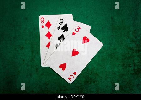 Einundzwanzig 10. Detailansicht der Spielkarten bilden die Blackjack-Kombination von einundzwanzig Punkte - Stockfoto