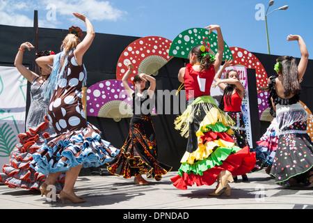 Flamenco-Tänzer bei Feria de Abril Flamenco Wochenende in Las Palmas, Gran Canaria, Kanarische Inseln, Spanien - Stockfoto