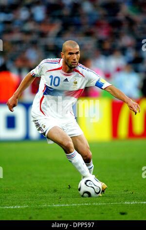 27. Juni 2006 - Signal Iduna Park, DORTMUND, GERMANY - K48447. WORLD CUP SOCCER, SPANIEN VS FRANKREICH. WM-STADION, - Stockfoto