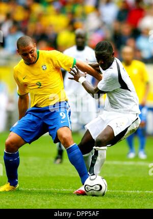 27. Juni 2006 - Signal Iduna Park, DORTMUND, GERMANY - K48442. WORLD CUP SOCCER, GHANA VS BRASILIEN. WM-STADION, - Stockfoto