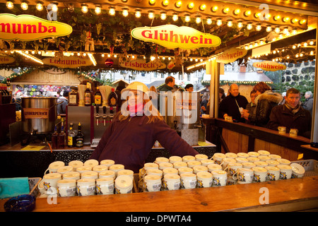 ein weihnachts stall k ln stockfoto bild 52611339 alamy. Black Bedroom Furniture Sets. Home Design Ideas