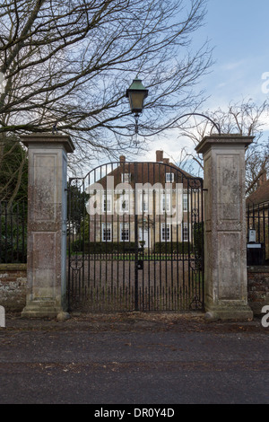 """""""Arundells"""" in der Salisbury Cathedral Close - Heimat des verstorbenen Sir Edward Heath - Stockfoto"""