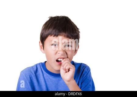 Junge mit Zahnschmerzen oder losen Zahn - Stockfoto