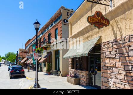 Rathaus und Occidental Hotel auf der Hauptstraße in der historischen Innenstadt von Buffalo, Wyoming, USA