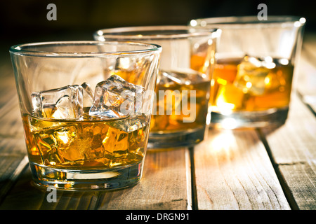 schnaps in einem glas auf eisw rfel stockfoto bild 87889386 alamy. Black Bedroom Furniture Sets. Home Design Ideas