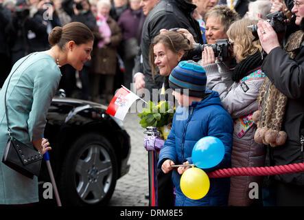 Düsseldorf, Deutschland. 29. Januar 2014. Schwedens Kronprinzessin Victoria, bei einem Skiunfall verletzt kommt - Stockfoto