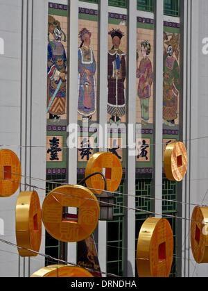 Singapur, 30 Januar 2014.Decorations in Chinatown am Vorabend des chinesischen Neujahr Credit: Julio Etchart/Alamy - Stockfoto