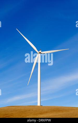 Nachhaltigen Stromgenerator angetrieben durch natürliche Energiequelle wind - Stockfoto