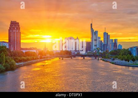 Frankfurt bei Sonnenuntergang - Stockfoto