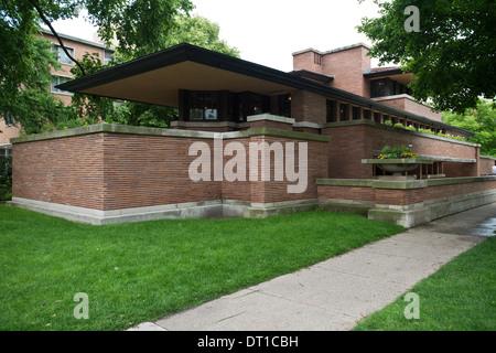 Robie House, Chicago, Vereinigte Staaten von Amerika. Architekt: Frank Lloyd Wright, 1910. Seitliche Außenansicht. - Stockfoto
