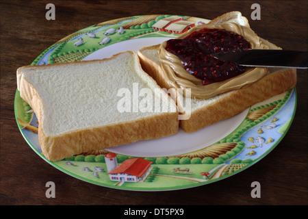 Verteilt auf Peanut Butter Jelly. - Stockfoto