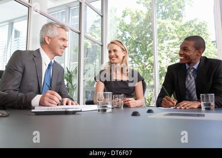 Businessmanager und Tagung im Büro-team - Stockfoto